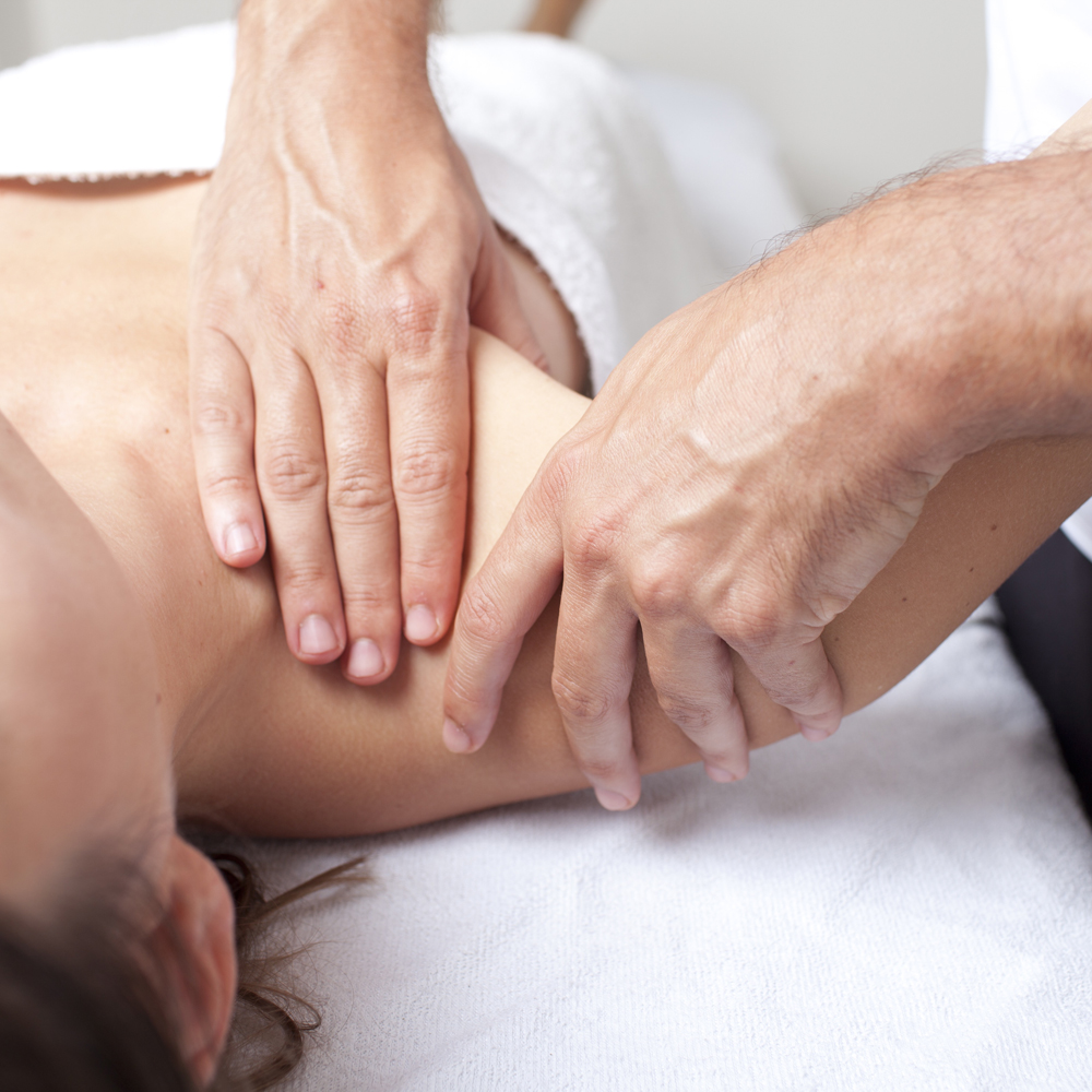 https://mountainviewpaincenter.com/wp-content/uploads/2019/02/Shoulder-Pain-Osteopathy-Treatment.jpg
